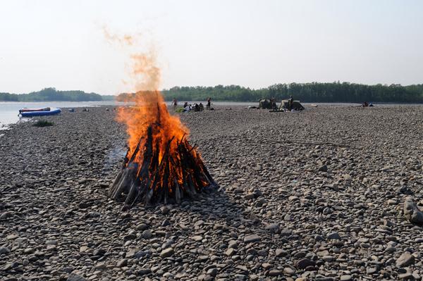 Рабалка на реке Мая